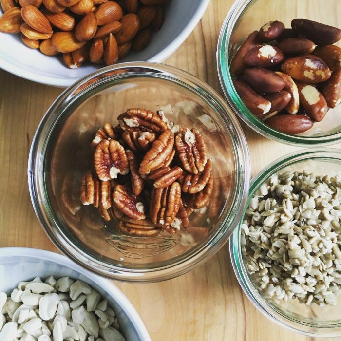 eingeweichte Nüsse für Paleo-Müsli